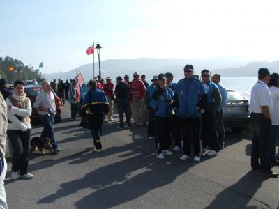 Al termino del desfile los pescadores se concentrarón en el muelle de Castropol para la presentación de los equipos.