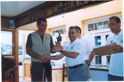 """Paco, del Club Náutico de Ribadeo,subcampeón del XII trféo de pesca """"Villa de Castropol"""",2005"""
