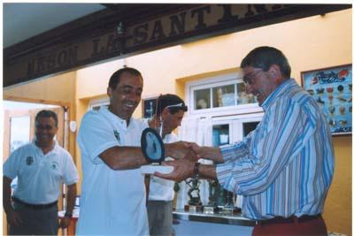 """Javi Seijo, de la Sección de Pesca del Club de Mar, quinto clasificádo en el """"Villa de Castropol"""" 2005."""