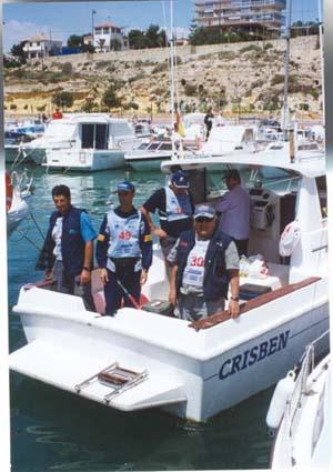 """En la embarcación(dorsal 30), Jesús Torralba, campeón del troféo """"Villa de Castropol"""" 2001."""