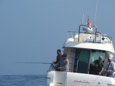 Otra  de la embarcación LA GABRIELA ,segunda clasificada en el VILLA DE CASTROPOL.