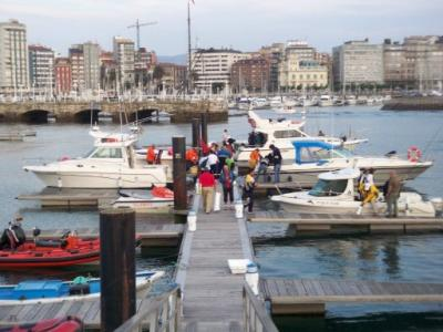 Embarcaciones en el puerto deportivo.